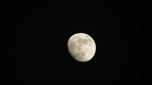 moon full 023